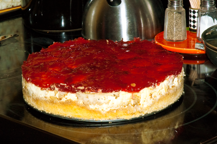 What a great cherry almond low carb cheesecake
