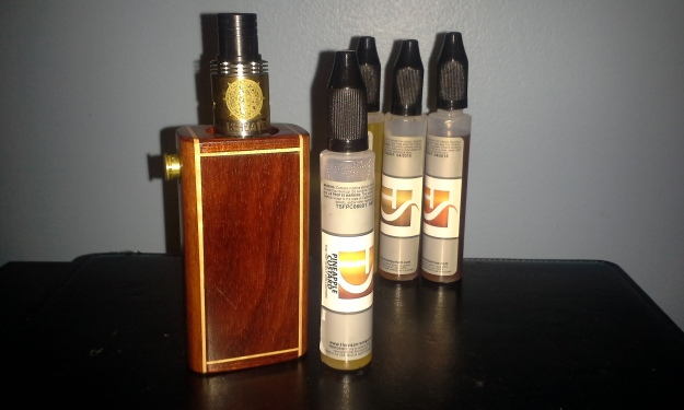 TVE's Pineapple Custard (Top Shelf Collection, 6MG) with the GoodWoodVapes Parallel Boxmod